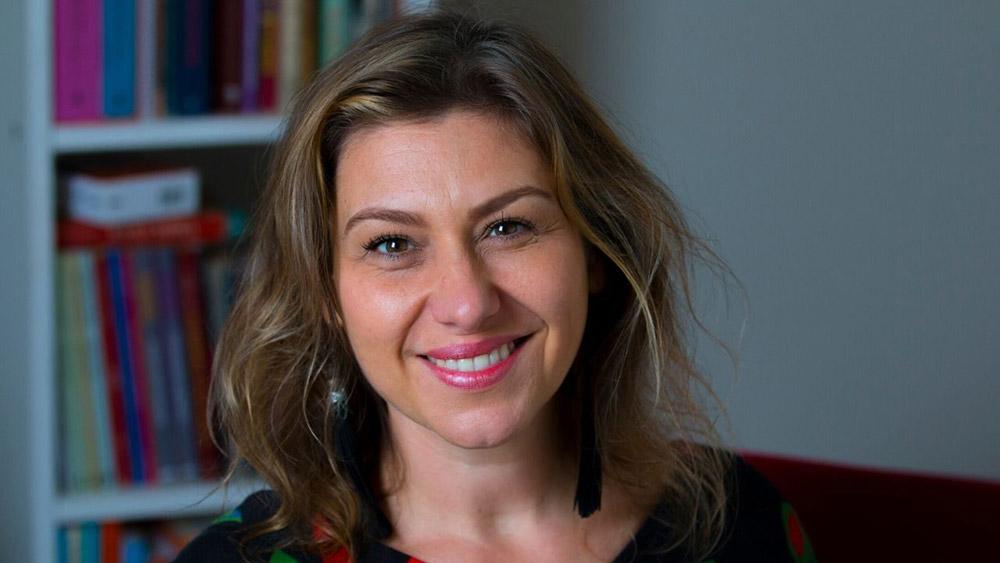 Terapeuta Online Anita Gomes, Terapeuta Transpessoal e couch